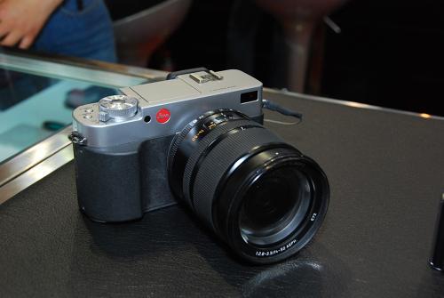 相机可以观察角落周围的移动物体