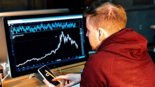 全球市场由于鲍威尔抑制了更多降息的希望 亚洲股市下挫美元飙升