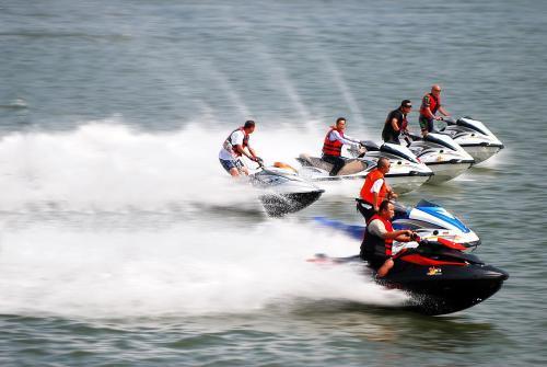 中国极限运动大会摩托艇比赛将在龙湖东湖举行