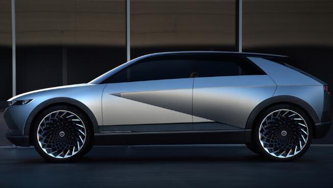 现代的45 EV概念是对其过去的致敬