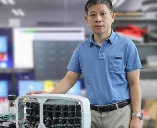 中國推出(chu)具有AI的新型500百萬(wan)像素超(chao)級相機 能夠識別成(cheng)千上萬(wan)人群的每張臉